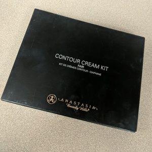 Contour cream kit in fair
